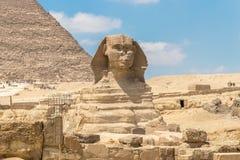 O monumento da esfinge com o corpo de uma cabeça do leão e de um pharaoh, Egito fotos de stock royalty free