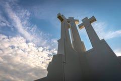 O monumento de tr?s cruzes em Vilnius fotografia de stock royalty free