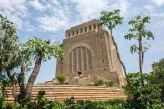 O monumento de Voortrekker apenas ao sul de Pretoria Tshwane em Gau imagem de stock