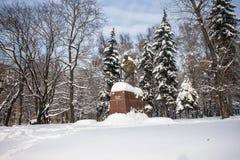 O monumento do líder político e espiritual indiano famoso Mahatma Gandhi em Moscou, Rússia Imagem de Stock