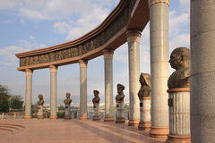 O monumento na cidade de Khujand, Tajiquistão imagem de stock