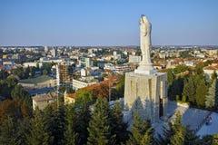 O monumento o mais grande da Virgem Maria no mundo, cidade de Haskovo Fotografia de Stock Royalty Free