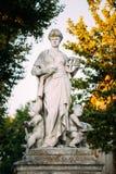 O monumento que simboliza a ciência na cidade Aix-en-Provence, França Fotografia de Stock Royalty Free