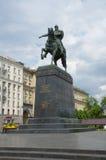 O monumento a Yuri Dolgoruky no quadrado de Tverskaya, Moscou, Rússia imagem de stock royalty free
