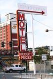 O motel do centro histórico assina dentro o distrito do entretenimento da rua de Fremont Fotos de Stock Royalty Free