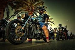 O motociclista é preparado para contaminar imagem de stock