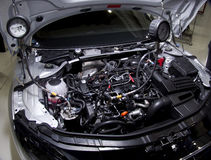Preste serviços de manutenção ao motor de automóveis pessoal Audi do treinamento TT Imagens de Stock