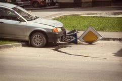 O motorista bêbado cortou na estrada Zach com um pedestre Fotos de Stock Royalty Free