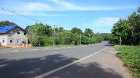 O movimento da estrada do tráfego na estrada vai a Thale Noi filme