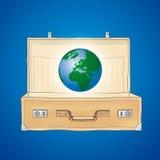O mundo em uma mala de viagem Imagens de Stock Royalty Free