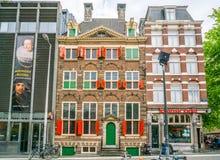 O museu da casa de Rembrandt onde Rembrandt pintou a maioria de seus paitings no quarto judaico velho de Amsterdão foto de stock royalty free