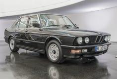 O museu de BMW em Munich, Alemanha foto de stock royalty free