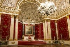 O museu de eremitério do estado, o Peter ou sala pequena do trono, fotos de stock royalty free