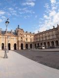 O museu do Louvre é um dos museus os maiores do mundo Foto de Stock