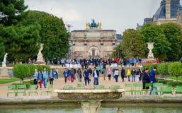 O museu do Louvre é um dos museus os maiores do ` s do mundo fotografia de stock