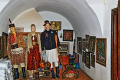 O museu romeno tradicional exibe BraÈ™ov Romênia imagens de stock