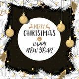 O Natal com ouro decorou a bola de ramos do pinho Fotografia de Stock