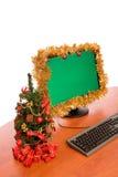 O Natal decorou a mesa de escritório Fotografia de Stock