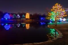O Natal decorou o lago com luzes Imagem de Stock