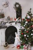 O Natal decorou a sala Foto de Stock