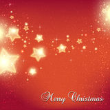 O Natal e o ano novo stars para a celebração no fundo vermelho com pontos claros, flocos de neve Imagens de Stock Royalty Free