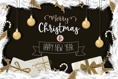 O Natal e o ouro do ano novo feliz decoraram a bola Imagem de Stock Royalty Free