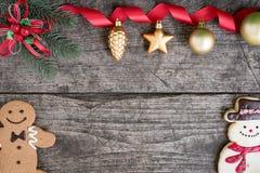 O Natal ornaments decorações do fundo com boneco de neve e ging Imagens de Stock
