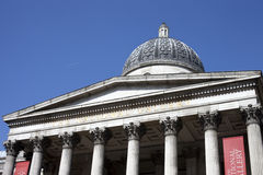 O National Gallery em Londres. Imagens de Stock