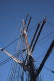 O navio alto em Albert Dock é um complexo de construções e de armazéns da doca em Liverpool, Inglaterra Imagem de Stock