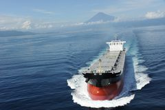 O navio de carga imagens de stock royalty free