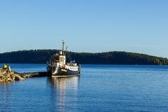 O navio no cais Foto de Stock