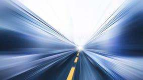 O negócio movente rápido da estrada de alta velocidade do borrão executa fotografia de stock royalty free