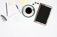 O negócio objeta em um fundo ou em uma mesa branca Imagens de Stock Royalty Free