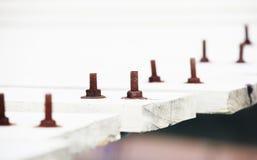 Ośniedziali starzy rygle przymocowywa drewnianego most Obraz Royalty Free
