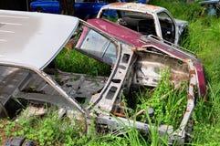 Ośniedziali Zaniechani samochody Zdjęcia Stock