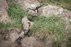 Żołnierz w okopie Obraz Royalty Free