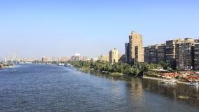 O Nilo do rio que atravessa o Cairo, Egito Fotos de Stock Royalty Free