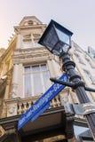 O nome da rua assina dentro a cidade velha de Aix-la-Chapelle, Alemanha Fotografia de Stock