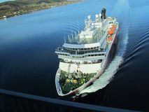 O norueguês do navio hurtigruten Fotos de Stock