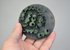 O objeto imprimiu na impressora do metal 3d após o close-up do synterization do tratamento térmico Fotografia de Stock Royalty Free