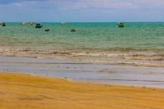 O oceano da paisagem do mar da praia imagem de stock