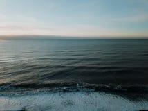 O oceano em Islândia Imagens de Stock Royalty Free