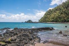 O oceano em Wai'anapanapa, Maui Imagem de Stock