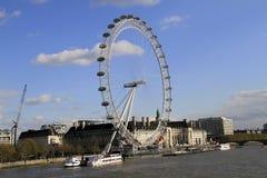 O olho Reino Unido de Londres, o 14 de dezembro de 2016: O olho de Londres no Thames River no capital de Londres Fotografia de Stock Royalty Free