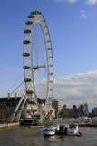 O olho Reino Unido de Londres, o 14 de dezembro de 2016: O olho de Londres no Thames River no capital de Londres Imagem de Stock