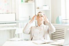 O olho relaxa o procedimento fotos de stock
