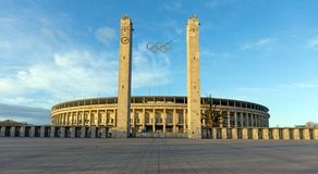 O Olympiastadion, Berlim, Alemanha Fotos de Stock Royalty Free