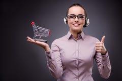 O operador novo das vendas no conceito da venda por correspondência dos telesales Foto de Stock Royalty Free