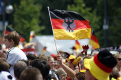 O orgulho alemão é mostrado na celebração do campeonato de FIFA em Berlim, Alemanha imagem de stock