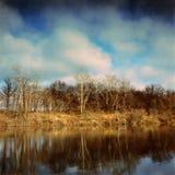 O outono ajardina nos bancos do rio de Seversky Donets Fotos de Stock Royalty Free